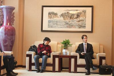 Rencontre avec Mme. ZHANG Yumin, Professeur du droit de la propriété intellectuelle, Doyenne de l'Université des Sciences Politiques et Juridiques du Sud-Ouest